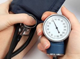 checking hypertension